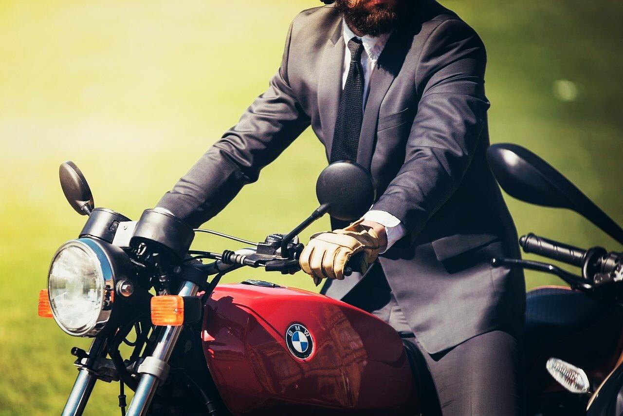 Motorrad fahren soll man ohne unnötigen Lärm!