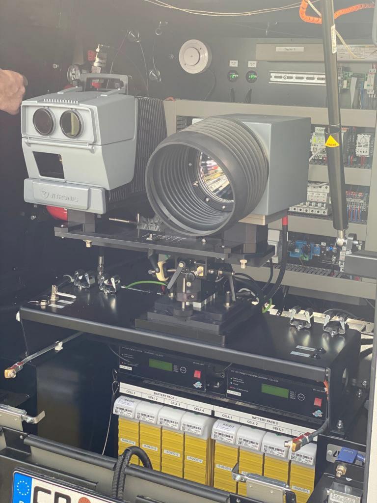 Alleine die verbaute Blitztechnik mit LIDAR Laser System kostet knapp 70.000 Euro!