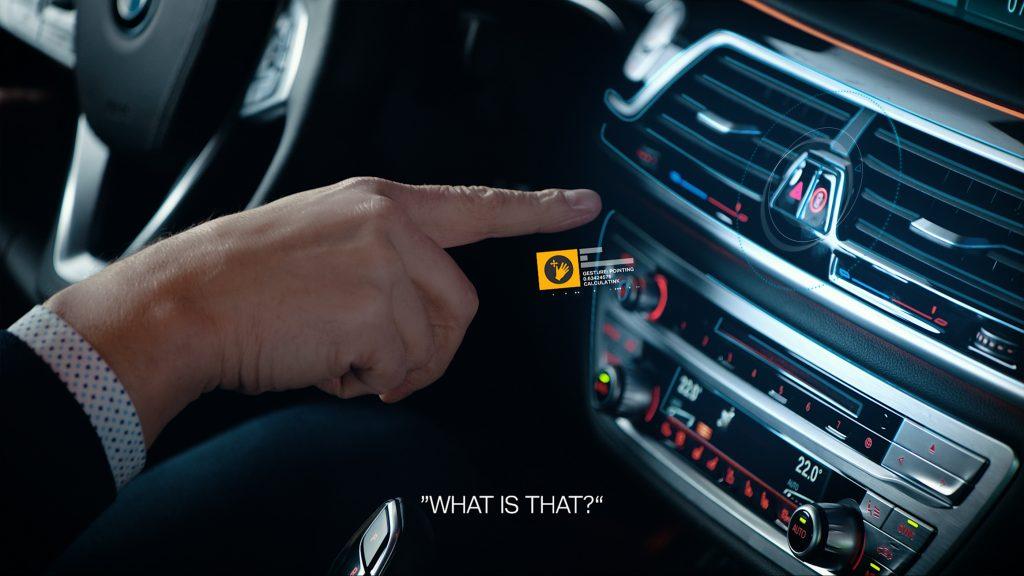 So funktioniert die Gestensteuerung im Auto!