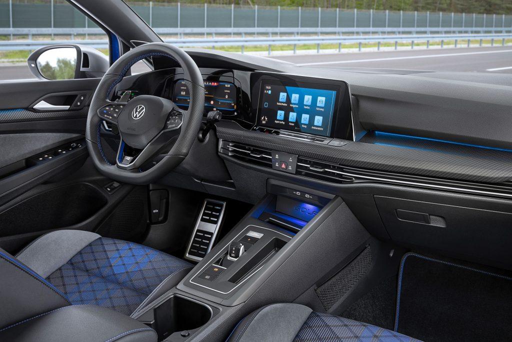 Digitale Spielekonsole auf vier Rädern! Der VW Golf R Variant!