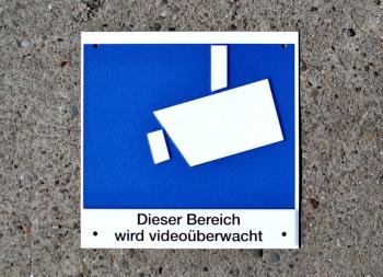 Piktogramm Videoüberwacht mit Hinweistext Aluminium geprägt; 150 x 150 mm