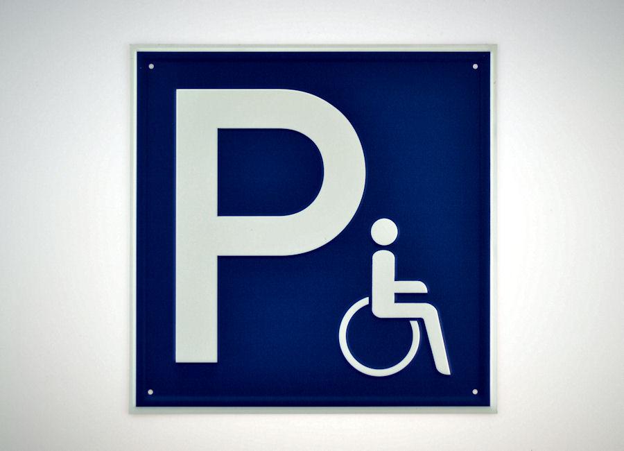 Parkplatz für Rollstuhlfahrer Vorschaubild2